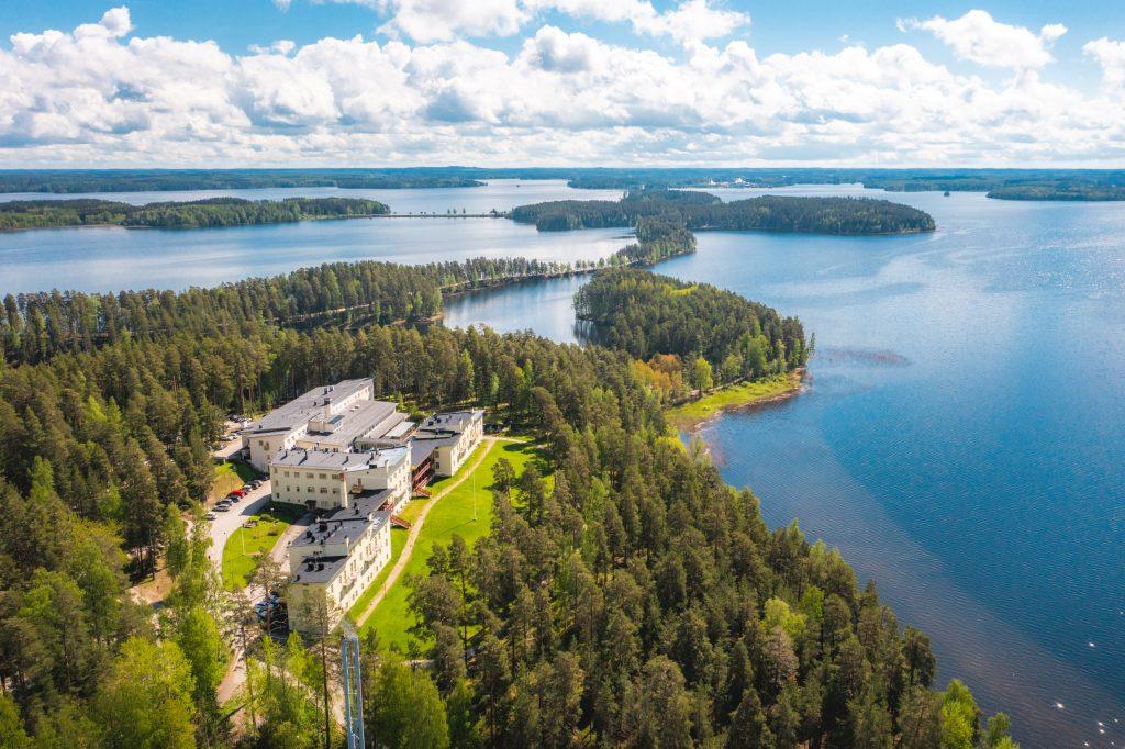 Kestävästi ja kehittäen Punkaharjulla – Kruunupuistolle on myönnetty Visit Finlandin Sustainable Travel Finland -merkki